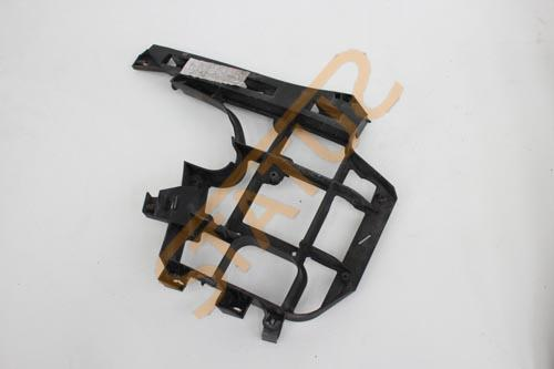 Porsche Cayenne 955 OS Right Bumper Upper Bracket Support Trim